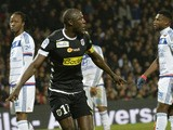 Angers' Senegalese midfielder Cheikh N'Doye celebrates after scoring a goal during the French L1 football match Lyon (OL) vs Angers (SCO) on December 5, 2015