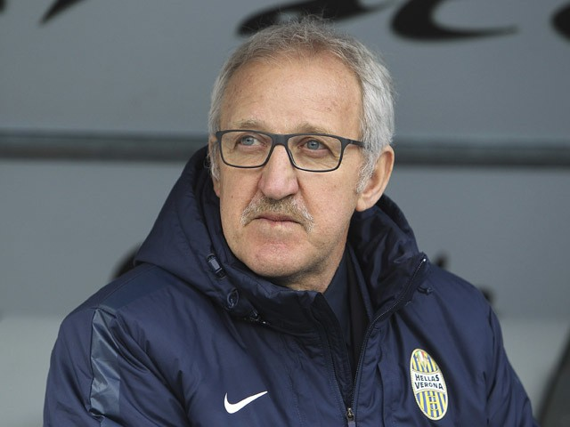 Hellas Verona FC coach Luigi Del Neri looks on before the Serie A match between Hellas Verona FC and Empoli FC at Stadio Marc'Antonio Bentegodi on December 6, 2015
