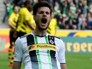 Havard Nordtveit celebrates scoring for Borussia Monchengladbach against Bayern Munich on April 11, 2015