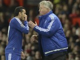 Guus Hiddink has a natter with Eden Hazard during the game between Manchester United and Chelsea on December 28, 2015