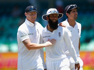 Ben Stokes, Moeen Ali and Alastair Cook on day five of the first Test between South Africa and England on December 30, 2015