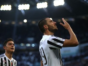 Leonardo Bonucci scores during the game between Juventus and Hellas Verona on January 6, 2016