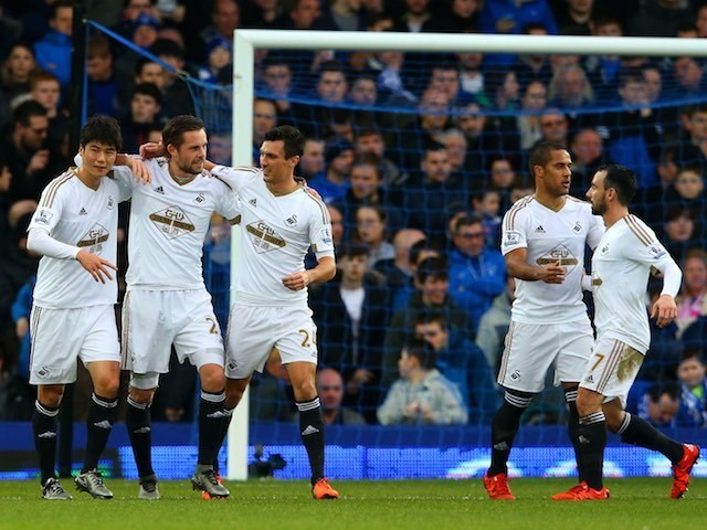 Gylfi Sigurdsson celebrates during the game between Everton and Swansea on January 24, 2016