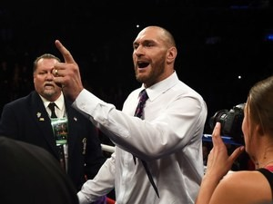 Tyson Fury explains what men and women have on January 17, 2016