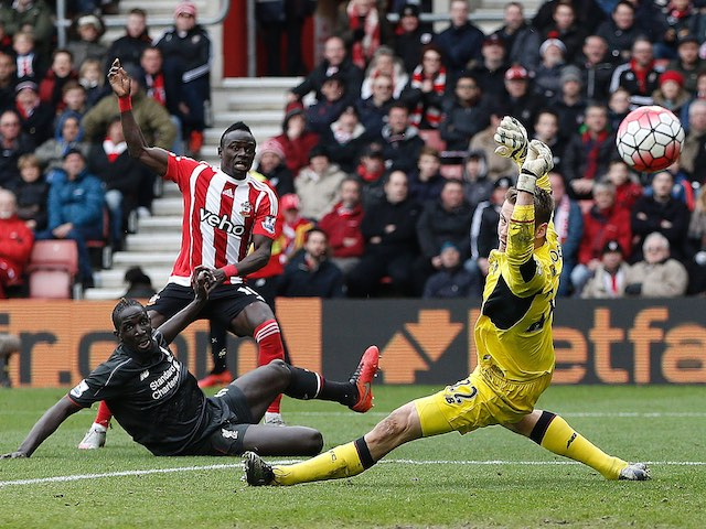 Sadio Mane pulls the first one back during the Premier League game between Southampton and Liverpool on March 20, 2016
