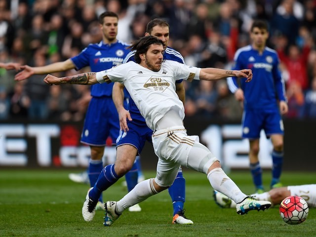 Alberto Paloschi in action during the Premier League game between Swansea City and Chelsea on April 9, 2016
