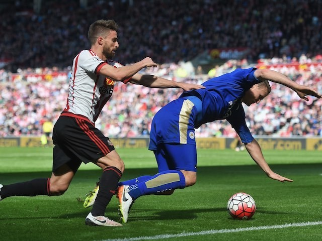 Robert Huth is challenged by Fabio Borini during the Premier League game between Sunderland and Leicester City on April 10, 2016