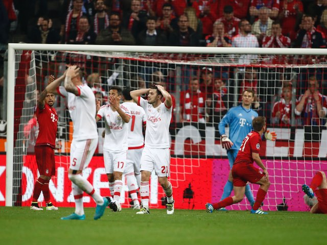 Benfica players react to a missed chance during the Champions League quarter-final between Bayern Munich and Benfica on April 5, 2016