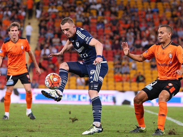 Besart Berisha of the Victory kicks the ball during the A-League Elimination Final match between the Brisbane Roar and Melbourne Victory at Suncorp Stadium on April 15, 2016