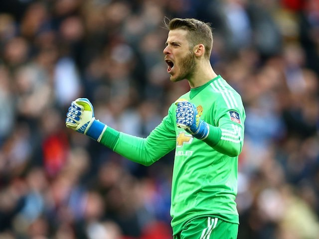 David De Gea celebrates his side going ahead during the FA Cup semi-final between Everton and Manchester United on April 23, 2016