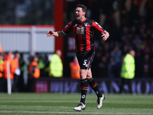 Tommy Elphick celebrates scoring during the Premier League game between Bournemouth and Chelsea on April 23, 2016