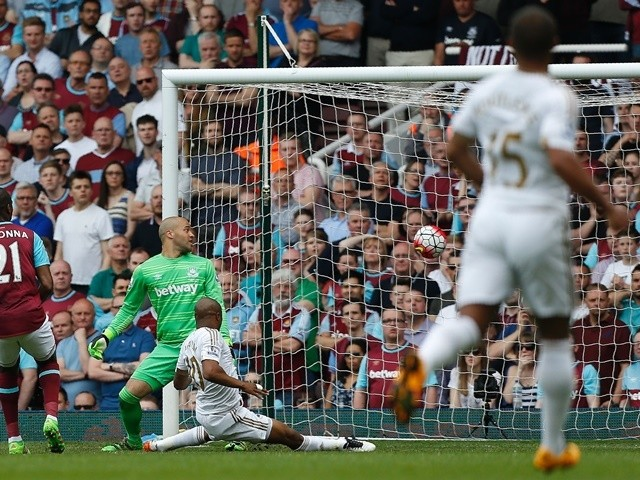 Andre Ayew scores during the Premier League match between West Ham United and Swansea City on May 7, 2016