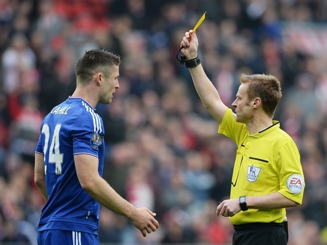 Gary Cahill is shown yellow by Mike Jones during the Premier League match between Sunderland and Chelsea on May 7, 2016