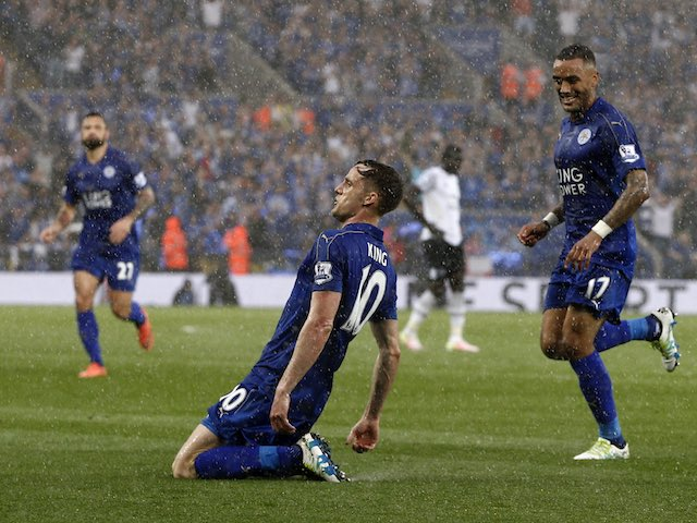 Andy King celebrates scoring during the Premier League game between Leicester City and Everton on May 7, 2016