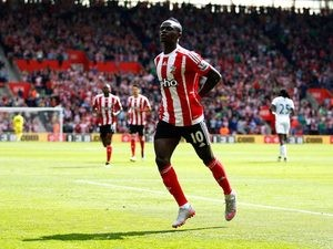 Sadio Mane celebrates scoring during the Premier League game between Southampton and Crystal Palace on May 15, 2016