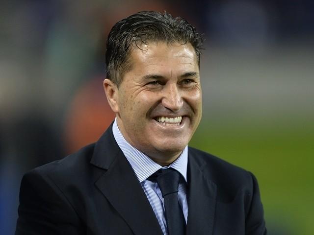 Jose Peseiro smiles before the start of the Portuguese league football match FC Porto vs. CS Maritimo on January 24, 2016