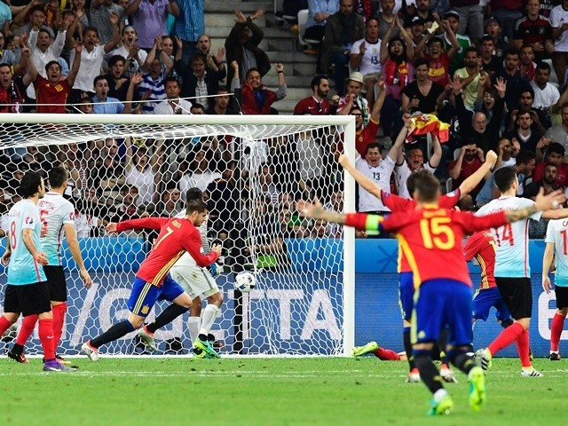 Alvaro Morata celebrates scoring during the Euro 2016 Group D match between Spain and Turkey on July 17, 2016
