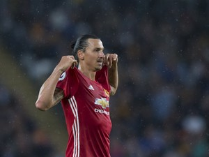 Zlatan Ibrahimovic FINALLY in a Manchester United shirt on August 27, 2016