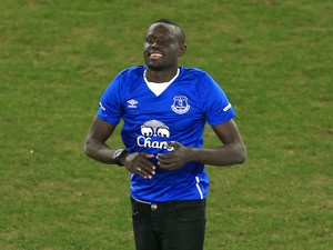 Everton's Oumar Niasse introduces himself to the crowd on the pitch before the match between Everton and Newcastle United at Goodison Park on February 3, 2016