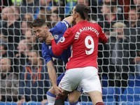 Zlatan Ibrahimovic has had quite enough of Gary Cahill during the Premier League game between Chelsea and Manchester United on October 23, 2016