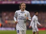 Luka Modric in action during the La Liga game between Barcelona and Real Madrid on December 3, 2016