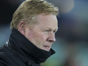Ronald Koeman watches on during the Premier League game between Everton and Arsenal on December 13, 2016