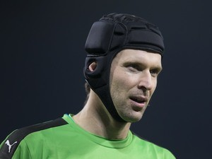 Petr Cech in action during the Premier League game between Manchester City and Arsenal on December 18, 2016