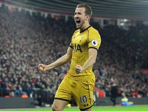 Harry Kane celebrates scoring during the Premier League game between Southampton and Tottenham Hotspur on December 28, 2016