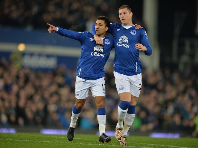 Aaron Lennon celebrates with Ross Barkley after scoring during the game between Everton and Tottenham Hotspur on January 3, 2016