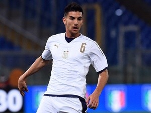Lorenzo Pellegrini in action for Italy Under-21s against Spain Under-21s on March 27, 2017