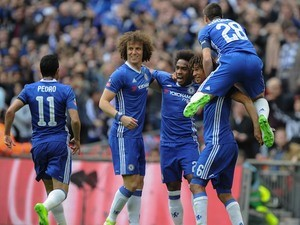 Cesar Azpilicueta can't contain his excitement after Willian scores during the FA Cup semi-final between Chelsea and Tottenham Hotspur on April 22, 2017