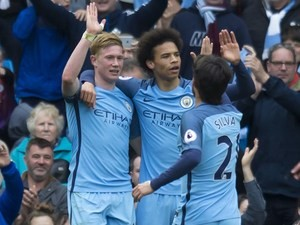 The mighty Kevin De Bruyne celebrates scoring during the Premier League game between Manchester City and Crystal Palace on May 6, 2017