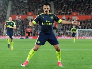 Alexis Sanchez celebrates scoring against Southampton in the Premier League on May 10, 2017