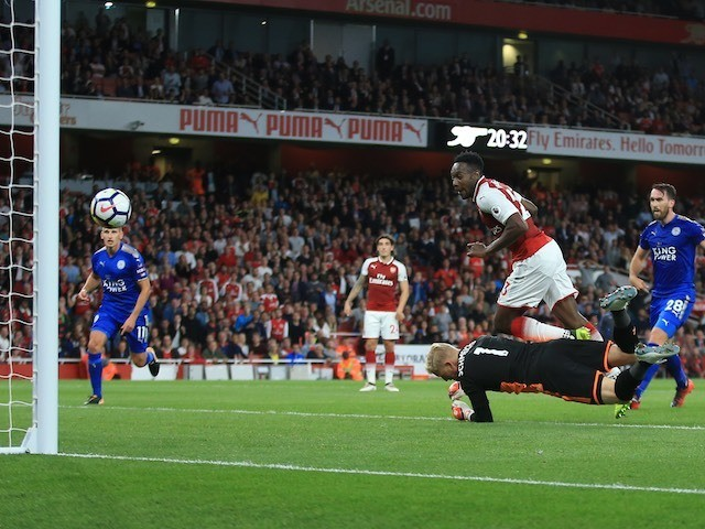 Danny Welbeck grabs the equaliser during the Premier League game between Arsenal and Leicester City on August 11, 2017